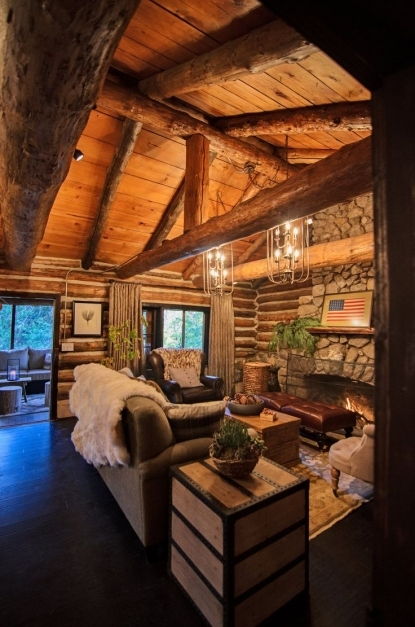 Fantastic Best 10 Log Home Decorating Ideas On Pinterest Log Home Living Log Cabin Lighting Ideas Photo