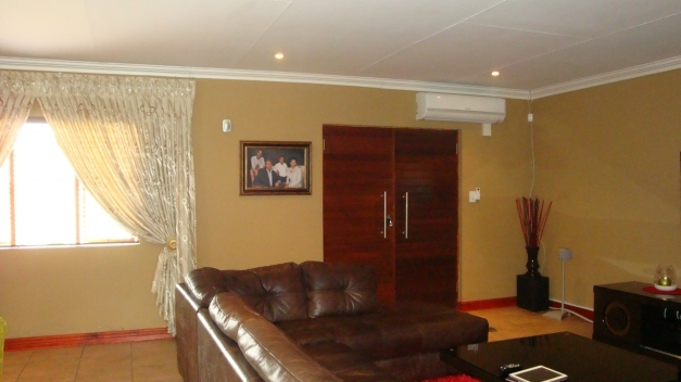 Stunning 3 Bedroom Town House For Sale In Polokwane Limpopo Floor Plans Pics