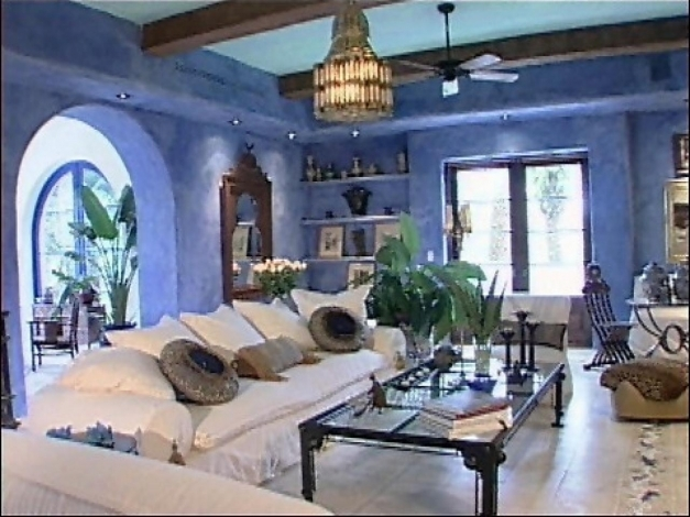 Inspiring Tips For Mediterranean Decor From Hgtv Hgtv Mediterranean House Inside Pics