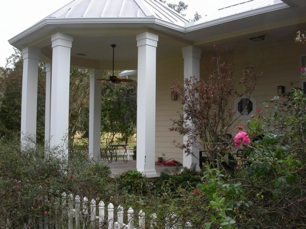 Marvelous front porch handsome designs with front porch for Front porch pillars design