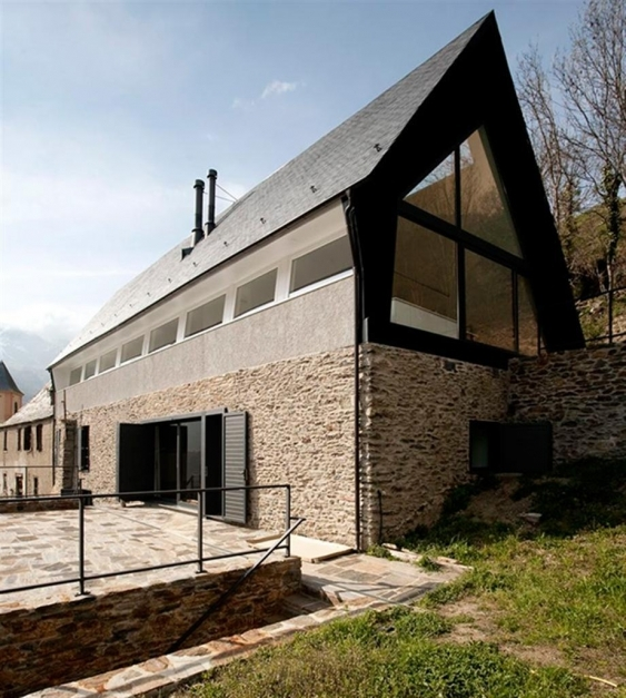 Inspiring Exterior Designs Futuristic Home Roof Design Ideas Aesthetic Modern Architecture Pitched Roof Photo