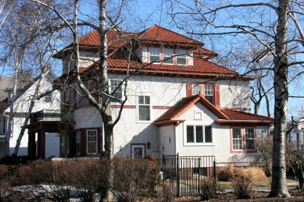 Inspiring How To Pick The Right Color For Your Houses Exterior Exterior Wall Colours That Match With A Tile Red Roof Photos
