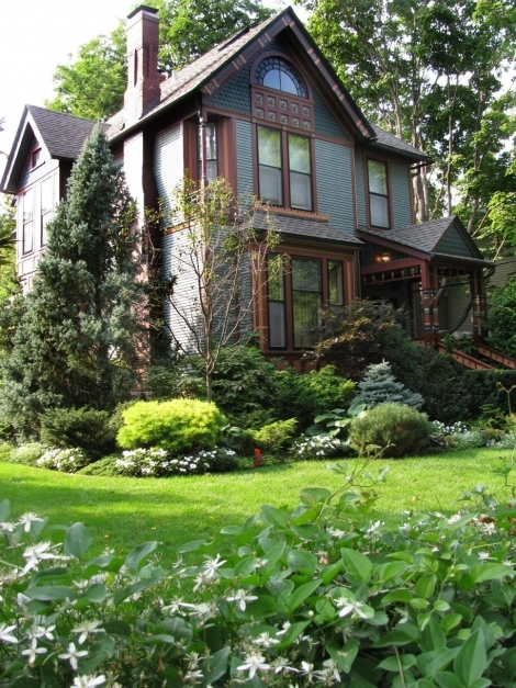 Wonderful Lush Landscaping Ideas For Your Front Yard Hgtv Front Yard Decorating Ideas Pictures